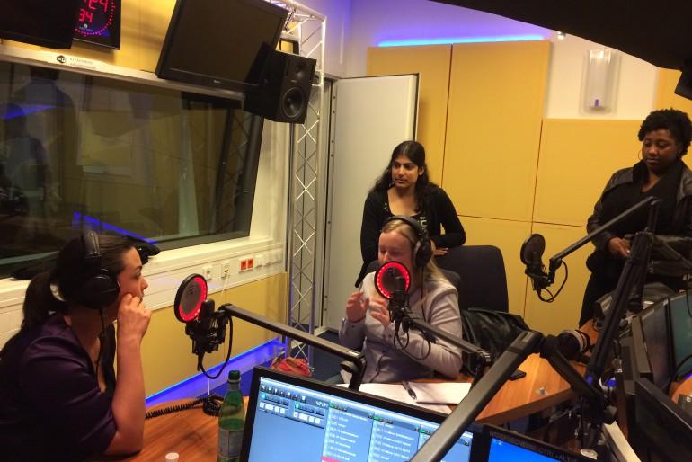 17 december was Caro Emerald te gast, luister de show terug!