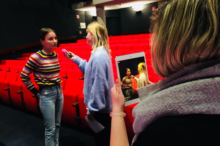 RADIOCHICK AMBER MEETS GIRLBOSS LIZZY VAN DER LIGT