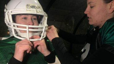 Chicks On Screen traint mee met het American Football vrouwenteam Rebels Rotterdam