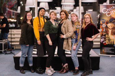 Chicks and the City in Vers Beton: 'Je stem kunnen laten horen is wat jonge meiden nodig hebben'