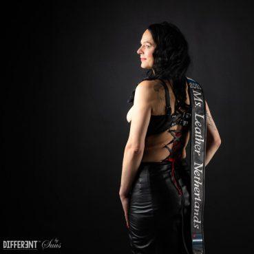 S03E11 Kunsthal takeover met Miss Leather Netherlands 2021 Pien Merkx