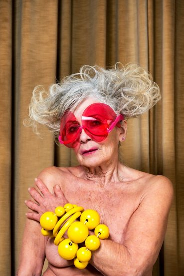 S03E10 Kunsthal takeover met 80-jarige fotomodel & muze Joyce Keasberry